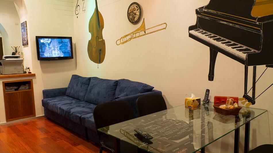 5 Stone Lo Studio relax_17_20121010_1233169435 resize